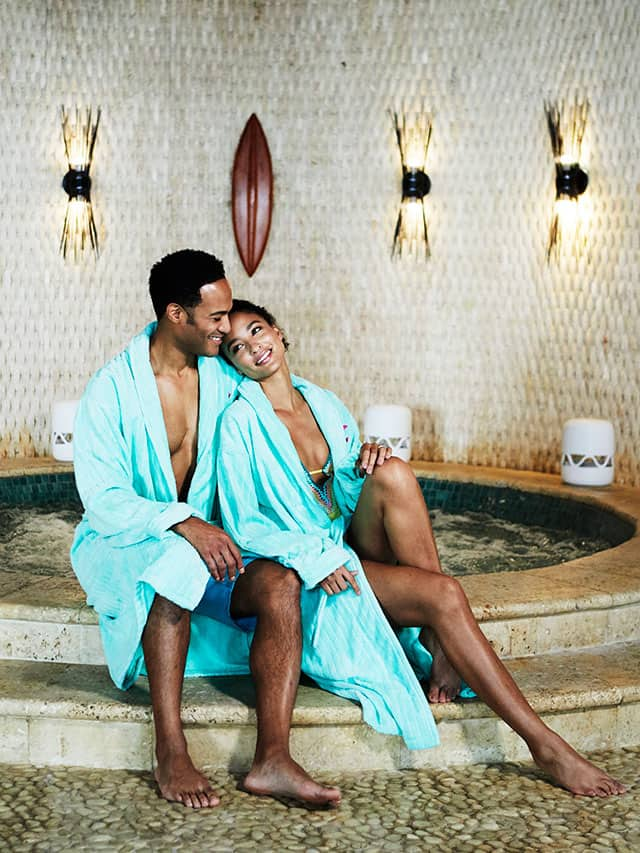 couple spa relaxing