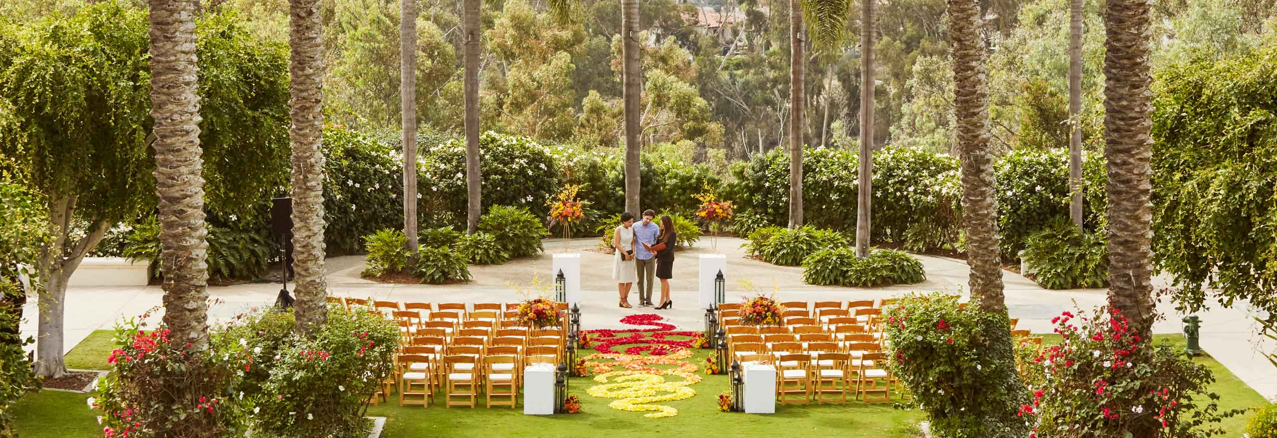 outdoor wedding rehearsal